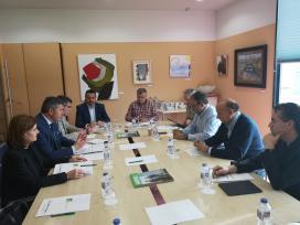 Ovidio Rodeiro informa a los empresarios del Tambre de las ayudas de la Xunta para impulsar la economía y fomentar el empleo local