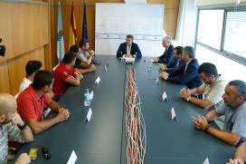 Feijóo avanza o ofrecemento a Parter dun plan de formación para a plantilla de Alcoa Coruña e do investimento que esta fábrica precise