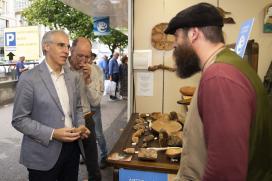 Conde destaca a relevancia de Mostrart como escaparate da artesanía galega a través de 56 expositores con pezas de calidade