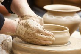 Un total de 33 obradoiros de 14 oficios diferentes participan en Santiago no encontro Sabor a artesanía
