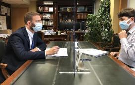 El delegado territorial de la Xunta, Gonzalo Trenor, realiza una visita institucional a Arteixo
