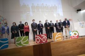 Feijóo pone en valor el sector agroalimentario gallego, clave para entender Galicia: