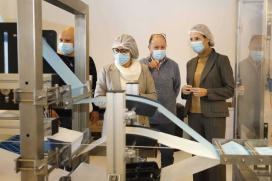 Fernández-Tapias pon en valor a capacidade de reinvención das empresas viguesas con proxectos como o de Vigomask