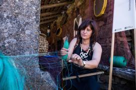 As redeiras artesás galegas fórmanse en Buño para aplicar o seu oficio ao eido da decoración