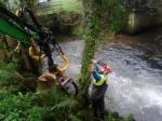 A Xunta realiza actuacións de conservación e limpeza no treito interurbano do río Mendo, nos concellos de Oza-Cesuras e de Coirós