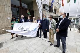 Conde destaca que la bandera de Galicia Calidade ondeando en los principales puertos deportivos gallegos reivindica el potencial de Galicia como destino turístico